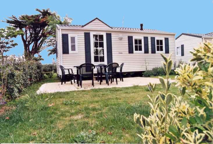 Camp du soleil locations de mobile homes - Mobil home dans son jardin ...
